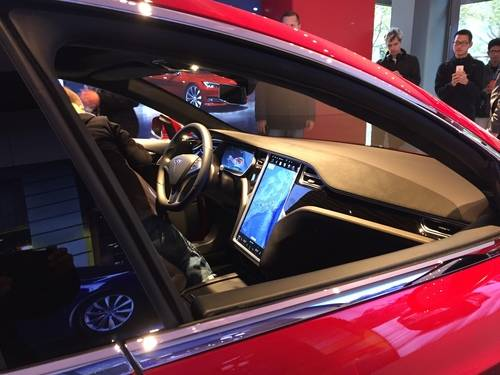 Tesla Model S, Vehicle