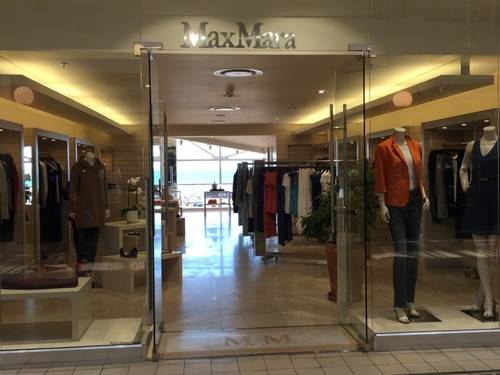 MaxMara Show Window and Storefront at V & A Waterfront