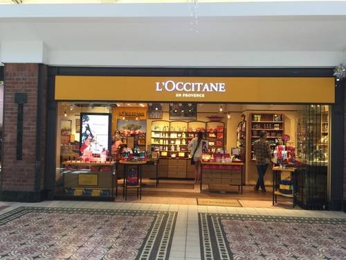 L'OCCITANE Storefront & Show Window at Victoria Wharf Shopping Centre, SA