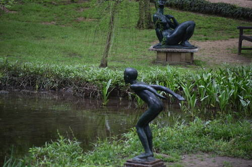 UMLAUF Sculpture - Diver and Seated Bather