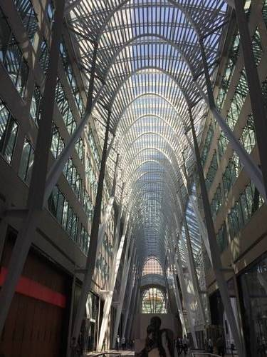 Downtown Toronto Building, Architecture