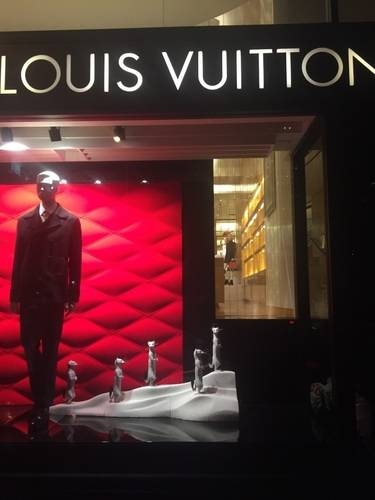 Louis Vuitton, Show Case